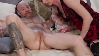 Mandy Mitchell Serves As A Chicken Utilizing A Penis Prepared For A Kinky Performance