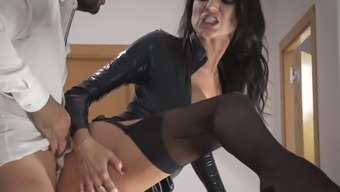 Delightful Raven Haired Milf In Beautiful A Leather-Based Tub Chair Jacket Gets Fucked On Steps Tough