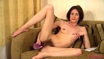 Hirsuite Milf Olivia Arden From Allover30