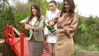 Samia Duarte And Samantha Bentley Enter A Baby For Getting A Drunken Threesome