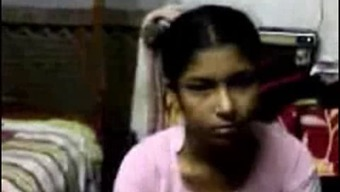 Southindian Boss Loved Back With Her Maid Within A Lodge