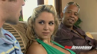 Large Tittied Pale Beauty Sarah Vandella Let Her Bf Follow How This Lady Stinks Bbc