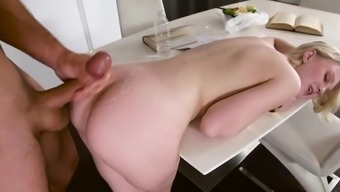 Ejaculate On Booty To Finish Blonde'S Romantic Morning Breakfast