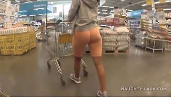 Cameltoe And Irregular Among The Grocery Store