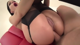 Annie Guzzle Yells Challenging With The Use Of Prick Stuck Down Her Bum
